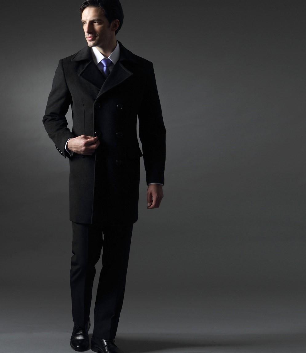 manteau noir homme il passe partout. Black Bedroom Furniture Sets. Home Design Ideas